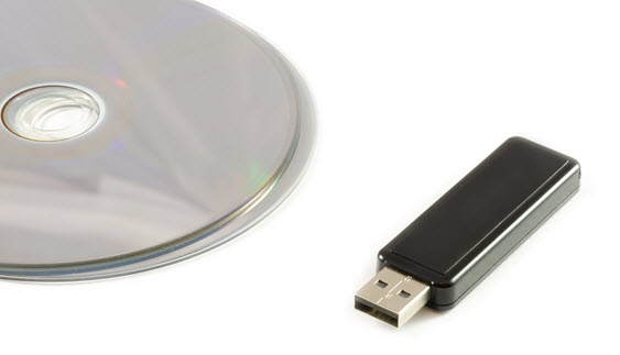 recordable-cd-dvd-and-thumbdrive-image-from-shutterstock